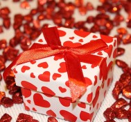 Rocznica ślubu – jaki prezent kupić i gdzie?