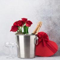 Kosze na prezenty – wybierz eleganckie opakowanie prezentu dla wyjątkowej osoby